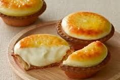 Try these tasty cheese tarts from Hokkaido Bake Cheese Tart, Cheese Tarts, Baked Cheese, Best Cheese, Tart Recipes, Sweet Recipes, Dessert Recipes, Mini Cakes, Cupcake Cakes
