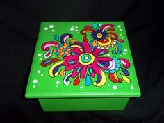 Cajas De Madera Pintadas A Mano - $ 159,00 en MercadoLibre Painting Kids Furniture, Decoupage Furniture, Hand Painted Furniture, Painting On Wood, Painted Clay Pots, Painted Boxes, Paper Mache Boxes, Diy Artwork, Dyi Crafts
