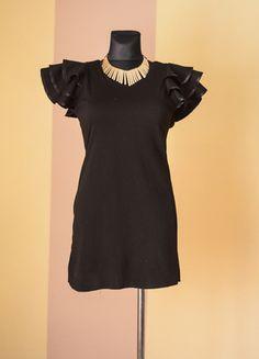 Kup mój przedmiot na #Vinted http://www.vinted.pl/kobiety/krotkie-sukienki/9845963-sliczna-czarna-sukienka-tunika-z-ozdobnymi-ramionami-l