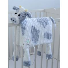 Best free crochet cow blanket pattern This child blanket crochet patterns is so versatile. Make this crochet cow child blanket with spots or simply use this sample to make a white cow with. Crochet Cow, Manta Crochet, Chunky Crochet, Free Crochet, Ravelry Crochet, Crotchet, Double Crochet, Crochet Blanket Patterns, Baby Blanket Crochet