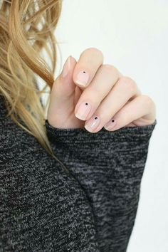 42 stunning minimalist nail art designs for everyday style and perfect for you 39 Easy Nails, Simple Nails, Fun Nails, Nail Art Designs, Black Nail Designs, Nails Design, Minimalist Nails, Minimalist Beauty, Minimalist Chic