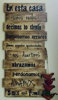 Mind Blowing Recycled Pallet Creations: Those who don't know how to reshape wooden pallets and who are not interested in reshaping them to get beneficial items Wooden Pallet Wall, Pallet Wall Art, Wooden Pallets, Vintage Wallpaper, Wallpaper Art, Café Bar, Pallet Creations, Diy Pallet Projects, Pallet Ideas
