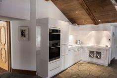 Chalet Castellino del Sole - SAAS FEE Kitchen Saas Fee, Kitchen Cabinets, Real Estate, Home Decor, Real Estates, Decoration Home, Room Decor, Cabinets, Home Interior Design