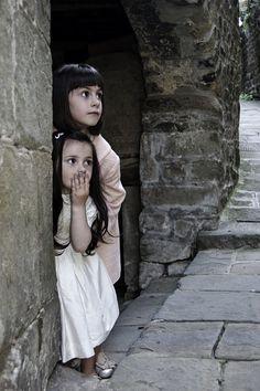 Crianças, Meninas, Esconder, Surpreendido, Jogar