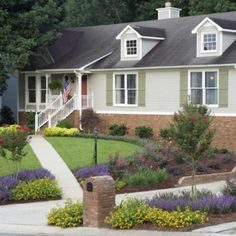 Front entrance landscaping ideas front yard landscape for Low water front yard ideas