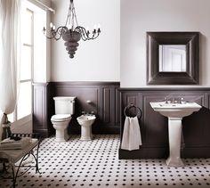 Kronleuchter im Badezimmer   ROOMIDO.com
