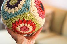 Crochet Pillow Ball, using the Sunburst Granny square - Tutorial