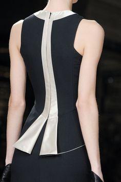 Fashion Details, Fashion Tips, Fashion Trends, 70s Fashion, Winter Fashion, Fashion Sewing, Mode Style, African Fashion, Blouse Designs