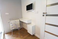 Wystrój wnętrz - Średnia łazienka z wanną - pomysły na aranżacje. Projekty, które stanowią prawdziwe inspiracje dla każdego, dla kogo liczy się dobry design, oryginalny styl i nieprzeciętne rozwiązania w nowoczesnym projektowaniu i dekorowaniu wnętrz. Obejrzyj zdjęcia! - strona: 2