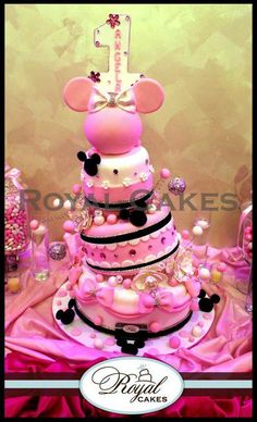 Minnie Cake would look better without the one on top...but amazing!