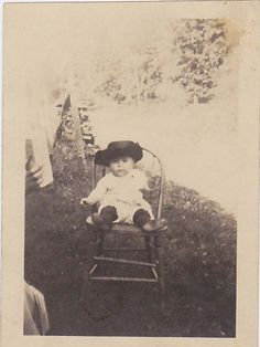 What a doll Look at that hatVermont area 1920s by nalomeli16, via Etsy.
