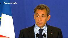 Attentat De Charlie Hebdo : Réaction De Nicolas Sarkozy Le président de l'UMP, Nicolas Sarkozy, s'est exprimé en début d'après-midi depuis le siège du parti. Il a dénoncé « une tragédie nationale » et « un acte abject qui heurte la conscience humaine ». « Notre démocratie est attaquée. Nous devons la défendre sans faiblesse », a ajouté l'ancien chef de l'État, qui affirme que « la fermeté absolue est la seule réponse possible ».
