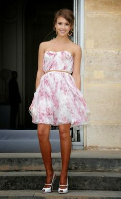 Pretty feminine floral dress on Jessica Alba