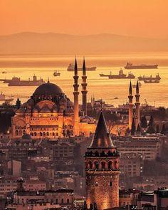 Golden İstanbul © Metin Demirel.  (via Facebook - Photography TÜRKİYE)  #turkey #türkiye #istanbul #galatatower #galatakulesi
