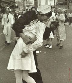 """V-J Day in Times Square"" by Alfred Eisenstaedt  Maybe make into a print"