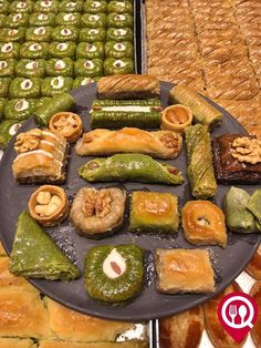 What's 40 layers of phyllo dough, pistachio, syrup and the most delicious of all Turkish desserts? Baklava is just one of the reasons Turkey is such a , Eid Cake, Turkish Baklava, Istanbul, Turkish Sweets, Phyllo Dough, Weird Food, Food Platters, Arabic Food, Turkish Recipes