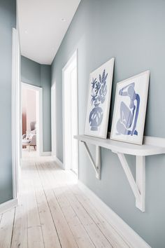 Even in the most common places you can let your personality shine through find your hallway decor in Hallway Decorating, Entryway Decor, Wall Decor, Apartment Projects, Apartment Interior Design, Decoration Hall, Living Room Paint, Room Colors, Colours