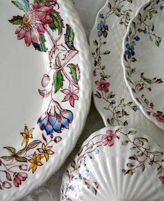 On the left, Vernon Kilns 'Dolores' and on the right, Spode 'Wicker Dale'