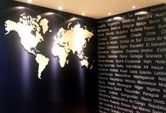 Adesivo para Agência de Turismo. www.leandroselister.com.br
