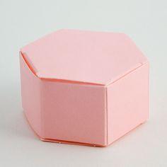 Hexagonal favour boxes - 60x30mm