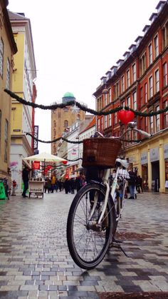 Copenhagen at Christmas - Koebmagergade and Rundetaarn - It's just Divalicious! Merry Christmas. :) #Batavus, #Diva, #bike, Bicykle, #Copehagen, #København, #Købmagergade, #Julepynt, #Christmas