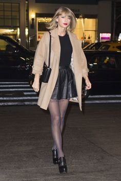 Taylor Swift leaves her New York apartment for a night out