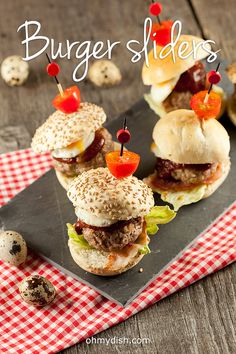 Burgers are awesome, but these burger sliders are even better cause they're so cute. Ready in 20 minutes and makes 8 mini burgers.