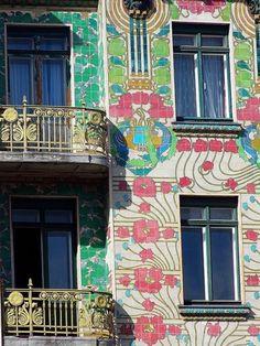 Majolikahaus von Otto Wagner (particular) endless forms most beautiful Art Nouveau Interior, Art Nouveau Architecture, Art Nouveau Design, Amazing Architecture, Otto Wagner, Jugendstil Design, Art And Craft, Modernisme, Facade House