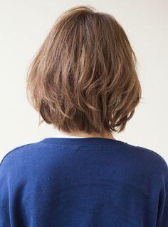 カジュアルなパーマショートスタイル毛先にランダムなパーマをかけてWAX を揉み込むだけ!!スタイリングも簡単ですよ(≧▽≦)