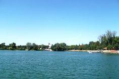 Plaza na glavnom jezeru u Beloj Crkvi, Srbija - Beach on main lake in White Church Serbia