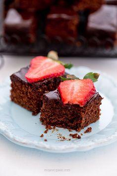Ciasto czekoladowe Cake Recipes, Dessert Recipes, Food Cakes, Chocolate Brownies, No Bake Desserts, Good Food, Cooking Recipes, Sweets, Homemade