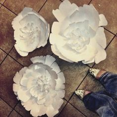 Items similar to Wedding or Party - Giant White paper flower sculpture for wall or table decor on Etsy Flower Diy, Diy Flowers, Giant Paper Flowers, White Paper, Sculpture, Table Decorations, Unique Jewelry, Handmade Gifts, Wall