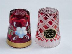 VINTAGE GLASS THIMBLES IN CRANBERRY & AMBER FLASH