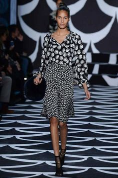 Classically beautiful pattern mixing by the indefatigable Diane Von Furstenberg.  Diane von Furstenberg Fall 2014 Ready-to-Wear Collection Slideshow on Style.com