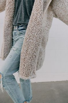 Sherpa coat with denim - casual fall outfit, winter outfit, style, outfit inspiration Fall Winter Outfits, Autumn Winter Fashion, Winter Style, Winter Wear, Winter Clothes, 2016 Winter, Ootd Winter, Mens Winter, Autumn Fall