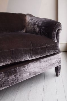 What a lovely, shiny, velvet sofa! aubergine sofa