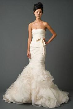 The Hillary Duff dress! Vera Wang Gemma - Used Wedding Dress - 44% off retail! | SmartBrideBoutique.com