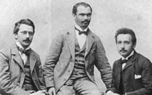 Einstein met zijn vrienden Habicht (links) en Solovine (midden), 1903