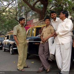 On Linking Road in Santa Cruz, a group of cabbies lend cars to help jobless mates in hard times. Every day, a cabbie loans his cab to a taxiless driver and sits it out for the day. This way, those without taxis have the chance to earn something at least once a week