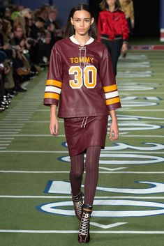 See the complete Tommy Hilfiger Fall 2015 Ready-to-Wear collection.