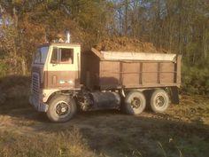 Big Ford Trucks, Dump Trucks, Cool Trucks, Large Truck, Cab Over, Ford Tractors, Heavy Truck, Vintage Trucks, Vehicles