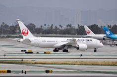 JAL runs a daily flight between Osaka and Los Angeles with a 787-8. Photo taken on April 24, 2016.