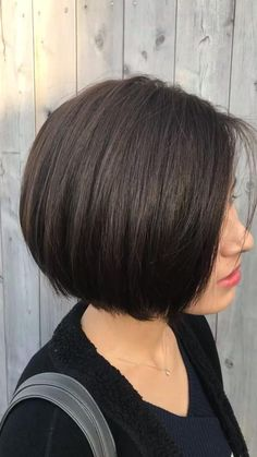 Short Hair Cuts For Women Bob, Short Hair Cuts For Round Faces, Bob Hairstyles For Thick, Haircut For Thick Hair, Short Bob Haircuts, Girl Haircuts, One Length Haircuts, Modern Bob Haircut, Bob Haircuts For Women