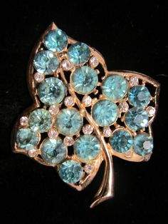 "Stunning Vintage 2-1/4"" Gold Tone Blue Rhinestone Leaf Statement Brooch  A52"