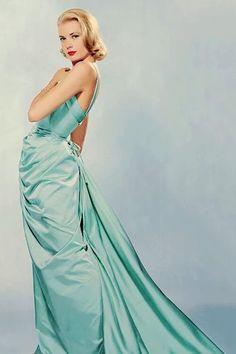 GRACE KELLY , 1955.