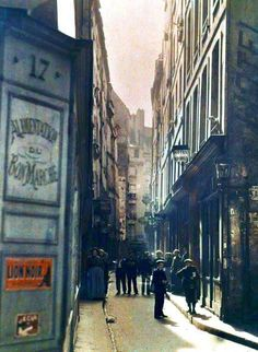 A Vorbarr Sultana street and liege folk in the last days of the Time of Isolation (Paris 1914)