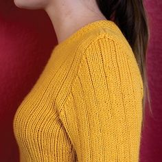 Vertical Stripes Pullover - seamless and slimming! Knit your own: http://ift.tt/2ehaffK - #knit #knitting #pattern #loveofknitting #knittersofig #knittersofinstagram #knittersgonnaknit #knittersofravelry #knittersoftheworld #knitstagram #strikk #instaknit #instastrikk #instaknitters #strikking #stricken #seamlessknitting #interweave #fwmedia