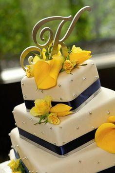 Weddings & Events Wedding Cakes Photos on WeddingWire