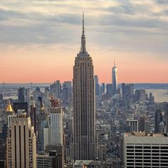 A New York landmark to skip according to a local - Lonely Planet Summer In Nyc, Summer Of Love, Free Summer, New York Landmarks, New York Poster, International Holidays, Nyc Skyline, Us Road Trip, Startup