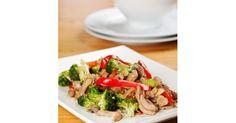 Antojado de comida china... no tiene nada que envidiarle a los restaurantes asiáticos. Preparelo en casa con 50% menos grasa.